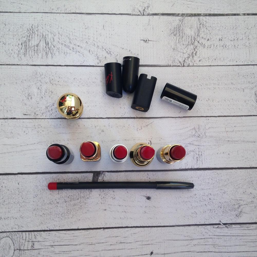 Από αριστερά: Rimmel Lasting Finish by Kate 01, L'oreal Color Riche Eva's Red, Mac Ruby Woo (retro matte),Diorific 013 Rouge Bingo,Revlon Matte 006 Really Red. Lip liner: Mac Cherry