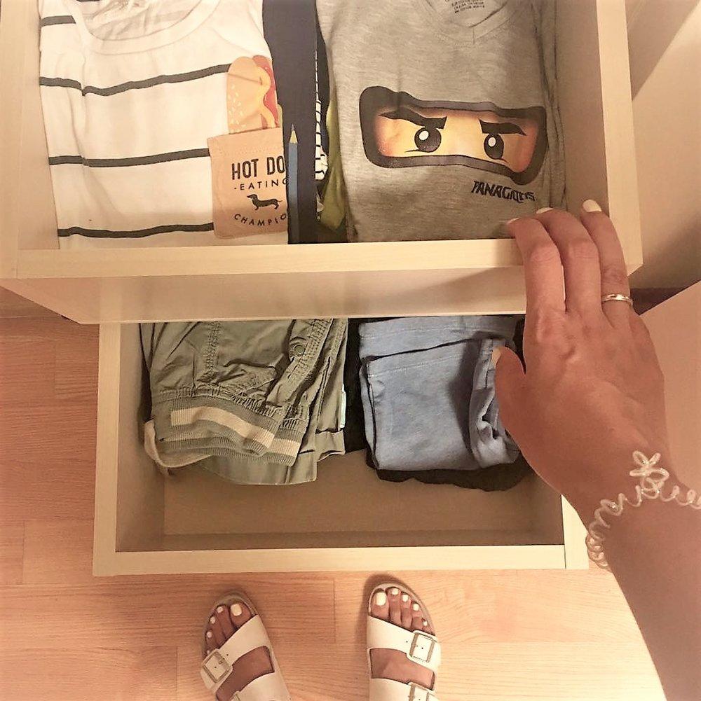 kids-clothes-decluttering (2).jpg