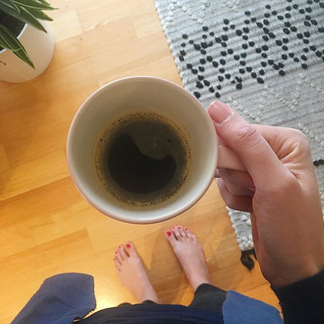 Black coffee ☕️ and red toes. Hello rainy Wednesday- be kind :) #coffee #phaedralovesthis #wednesday #rainymarch #breathe