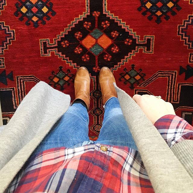 Playground outfit of the day - my plan is to grab a freddo and photosynthesise AF. #mummygoals #playground #mummyofboys #meandmyrug #redblue #phaedralovesthis #fwis #ootd