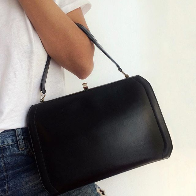 DETAILS (genuine leather single strap handbag / SOLD)