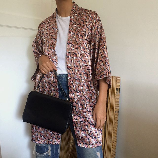 Floral kimono: one size / SOLD. Genuine leather single strap handbag / SOLD.