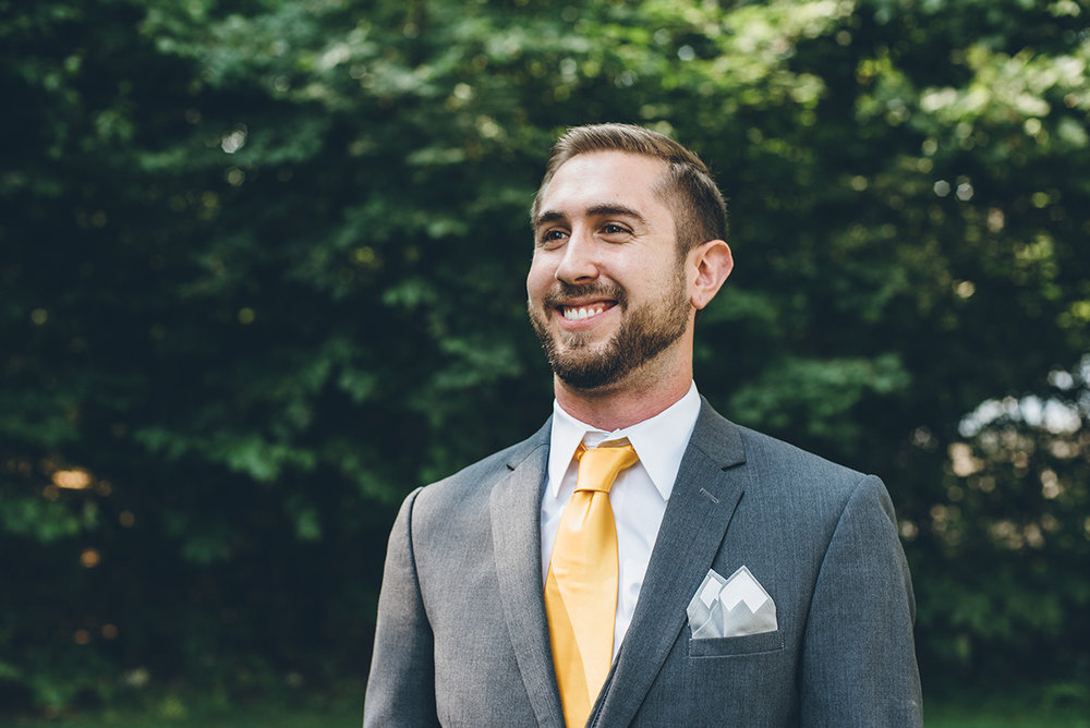 Mountain groomsmen pocket square.Mountain and forest DIY wedding.