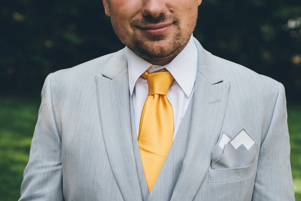 Mountain pocket square for groom.Mountain and forest DIY wedding.