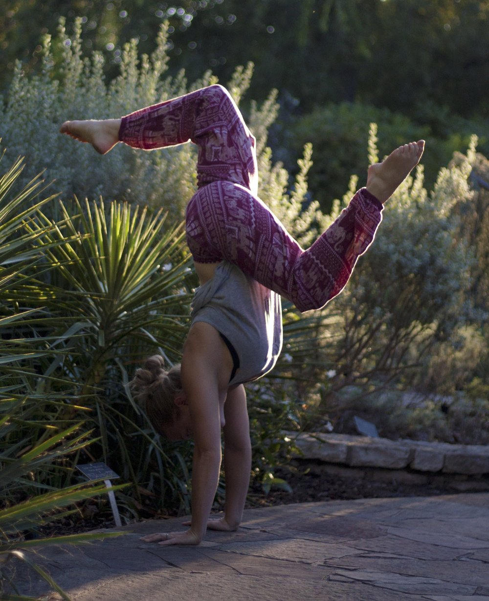 handstand-workshop-yoga-amanda-quintanilla-texas