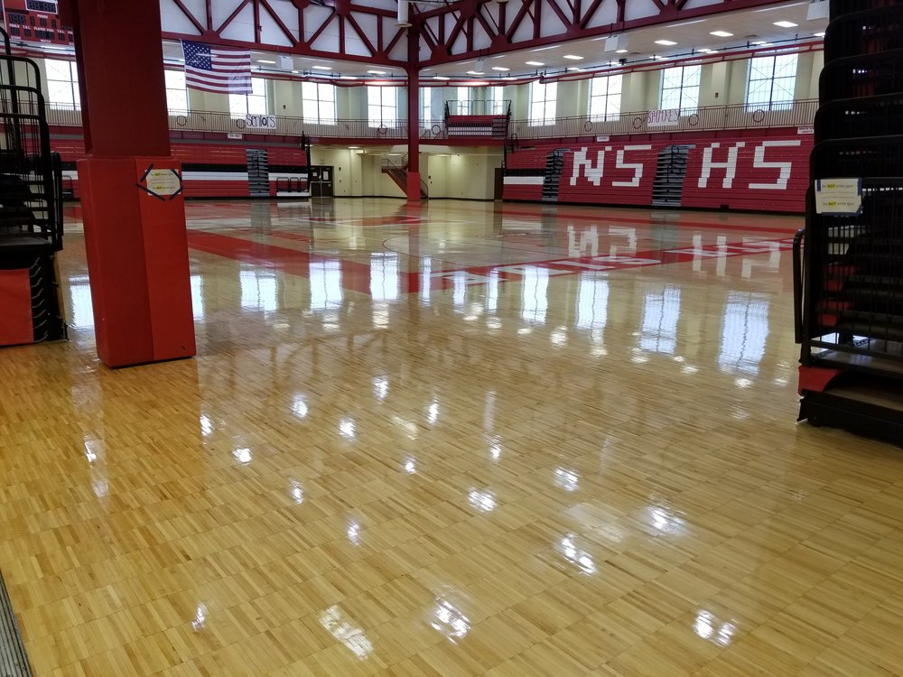 Varsity Court - 100% Urethane Water-Based Wood Floor Finish Oxygen Crosslinked, Water-based OMU Finish. Environmentally Safe. No Mixing Required. Water Cleanup, Non-Combustible. Excellent Leveling. Recoat in 4-6 Hours. No Solvent Odor. Excellent Gloss High Resistance to Scuffing