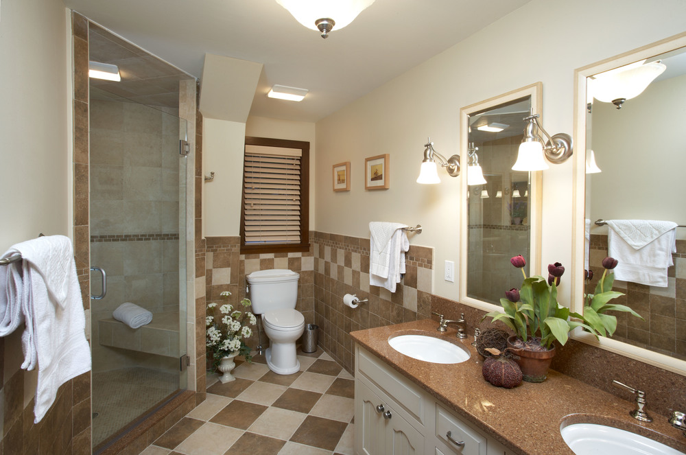 Guest Bath.1.jpg