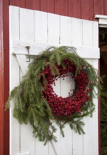 Wreath red berries.jpg