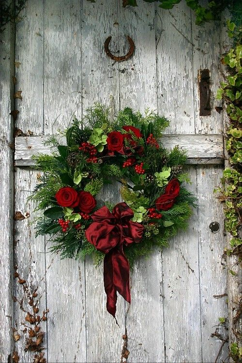 Wreath red.jpg