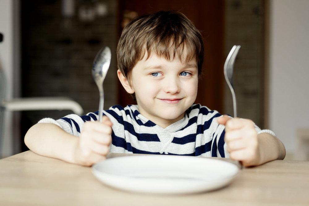 Evaluation des interactions familiales autour du repas et guidance interactive