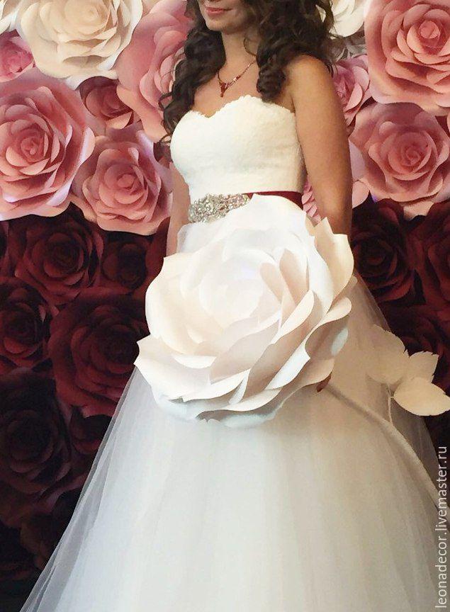 c935115a6a087e7ba9aa9a4d6095--svadebnyj-salon-svadebnaya-roza-na-nozhke.jpg