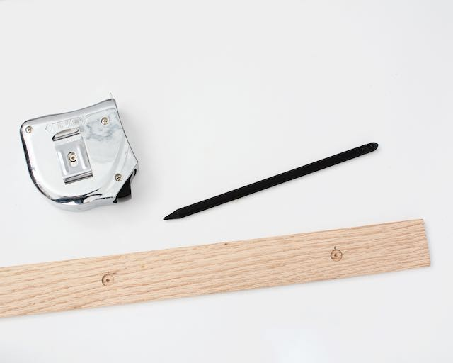 DIY art hanger tutorial