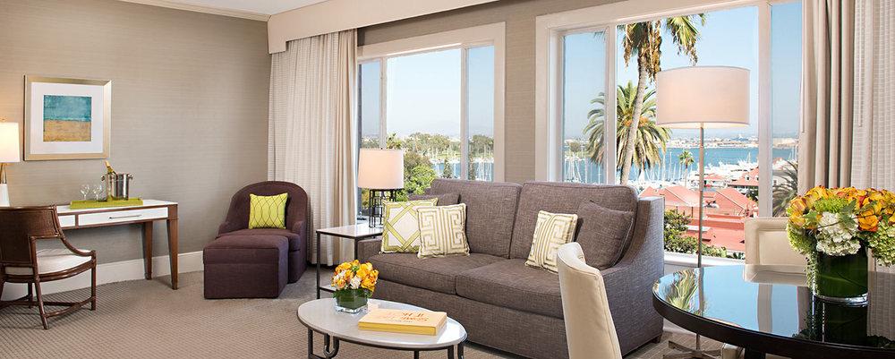 victoriansuite_livingroom_1370x550.jpg