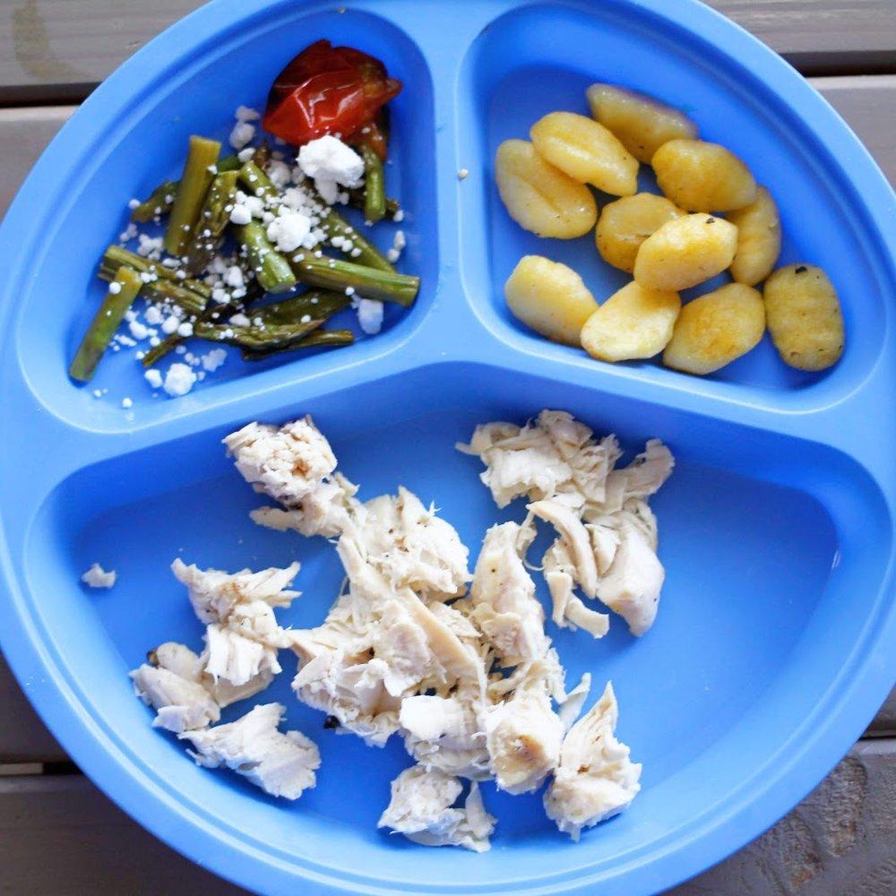 Kid friendly sheet pan dinner. Simple and easy sheet pan lemon gnocchi chicken.