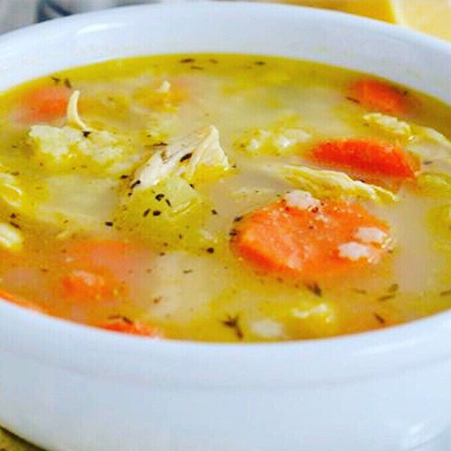 Baby it's cold outside! Come on over for a bowl of home-made soup!  #elmstreetmarket #whtsforlunch #chickensoup
