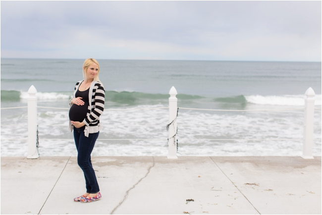 Costal Maine maternity session photographed by Deborah Zoe Photography.