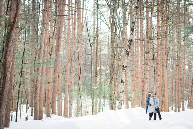 Winter Maternity session on the North Shore photographed by Deborah Zoe Photography.