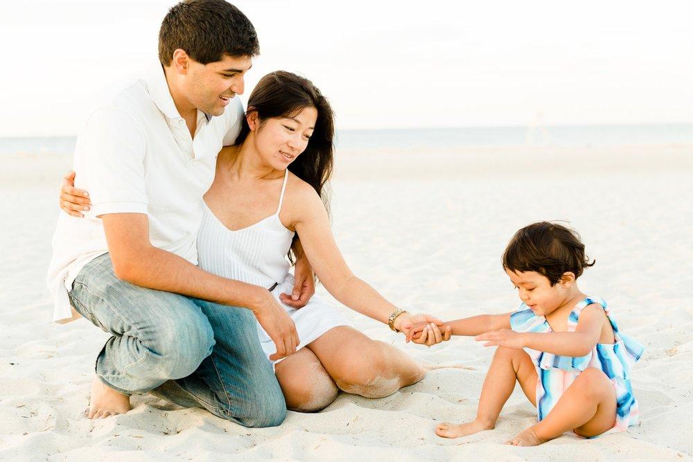 crane_beach_family_portraits_deborah_zoe_00006.JPG