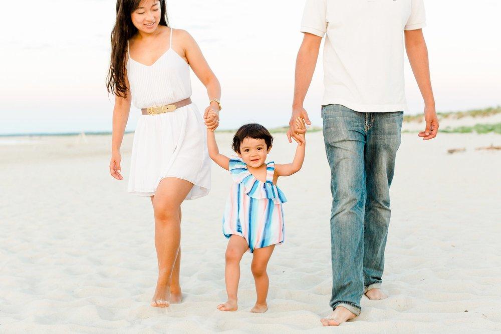 crane_beach_family_portraits_deborah_zoe_00014.JPG