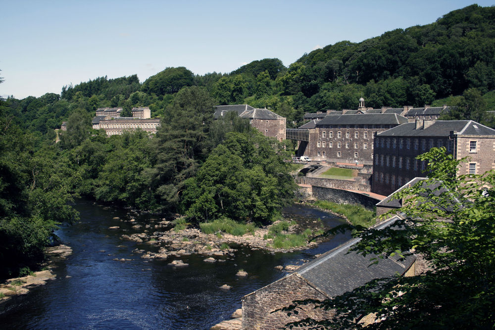New Lanark Mills (by  Robert Orr)