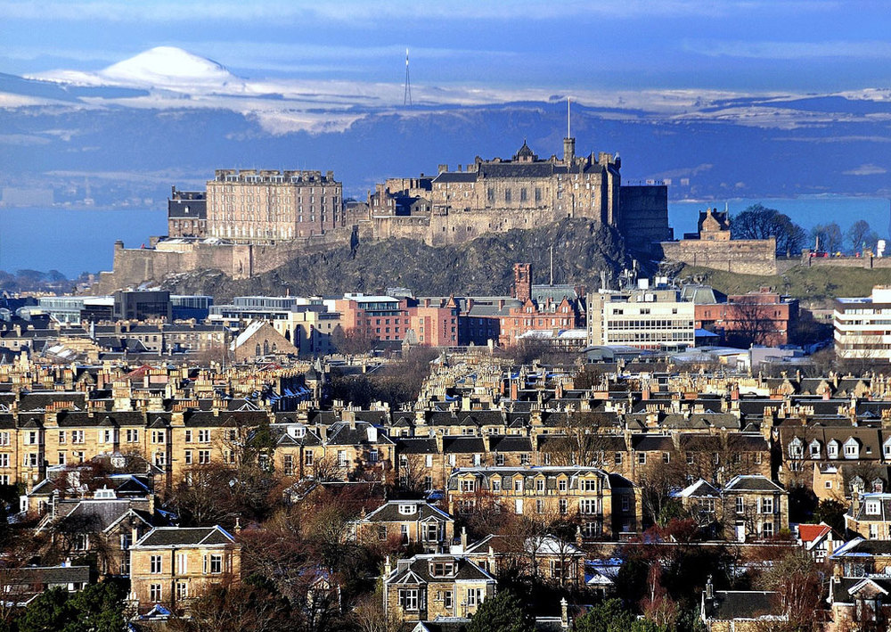 Edinburgh Castle (by Nell Roger)