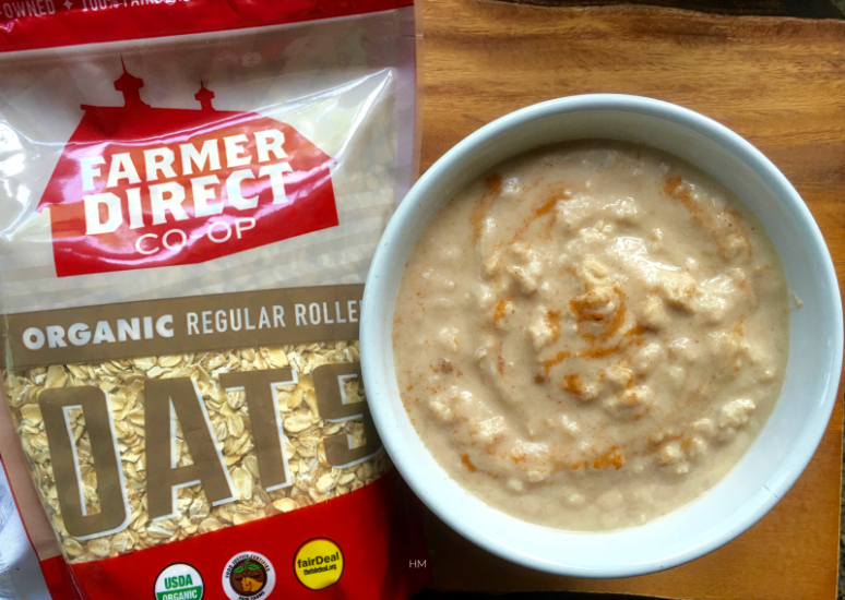 Sugar-Free Cinnamon Swirl Cake Batter Oatmeal - you'll be craving this for breakfast every day!