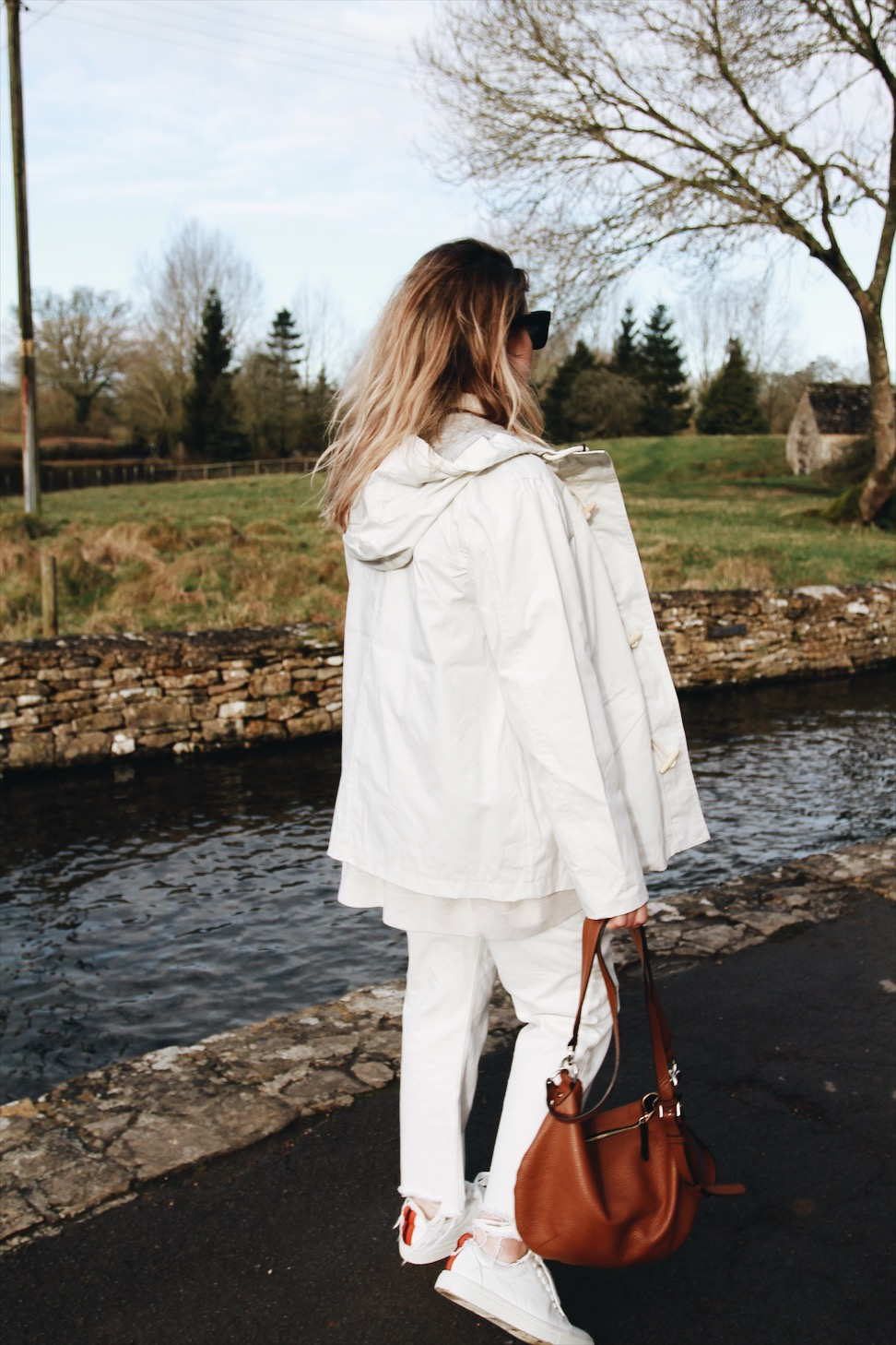 All white maternity wear || The Beaux Journals