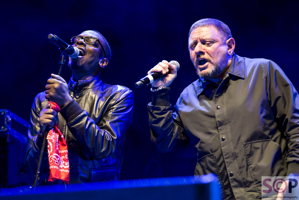 black grape on stage at arena birmingham
