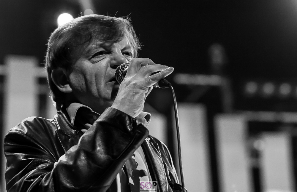 mark e smith on stage MES 2010.jpg