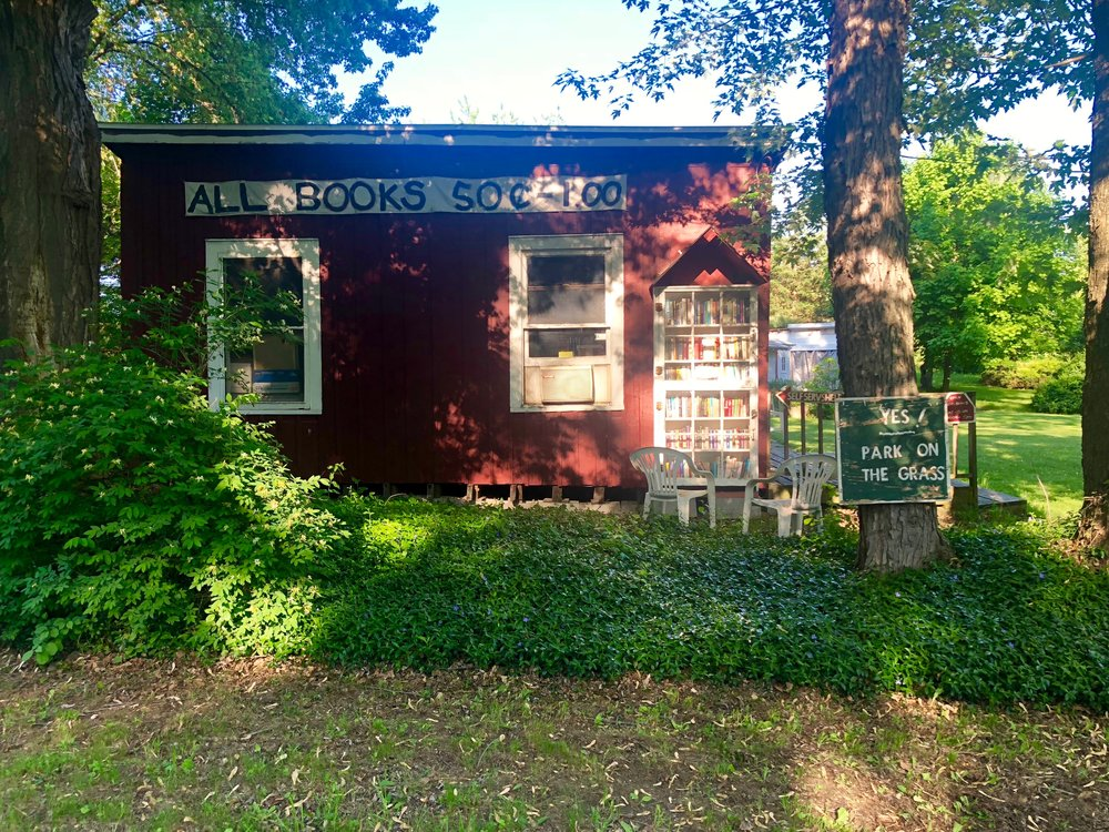 Little Red Book Shack, Livingston, NY