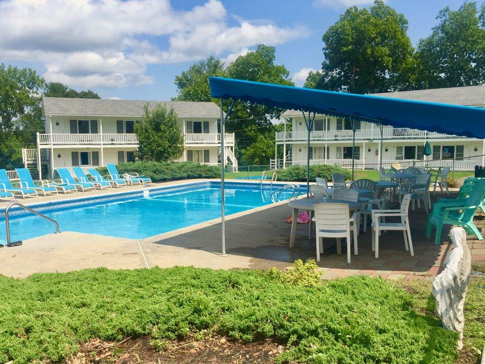catskills resort with pool
