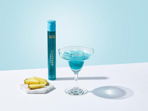 onfire-design-welove-luxerose-cocktail-rtd-identity-packaging-design-10.jpg