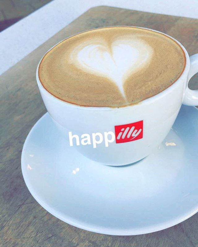 When we drink coffee, our tongue gets painted. As long as it stays painted, it remains tasty! -Ernesto illy. #happilly