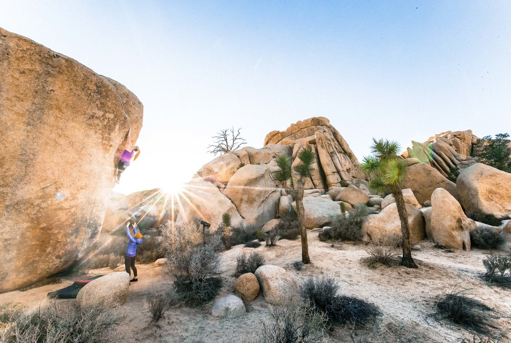 Awesome bouldering in Joshua Tree. pic:   BEARCAM MEDIA