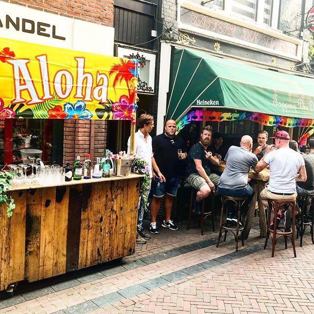 Het hele weekend een fijne G&T bar in DE beach street van Apeldoorn!