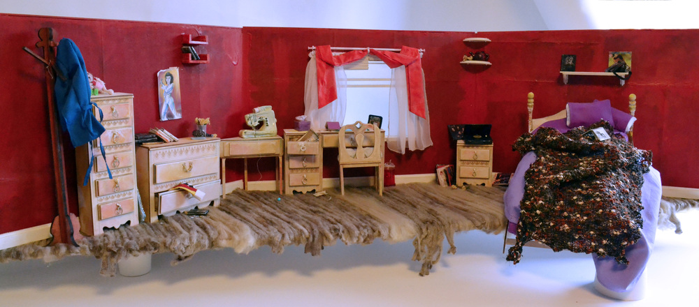 Stop motion, panoramic style bed room set.   All objects are handmade and are inspired by the objects within my own room.   Wood furniture and shelves are laser- cut and hand painted.