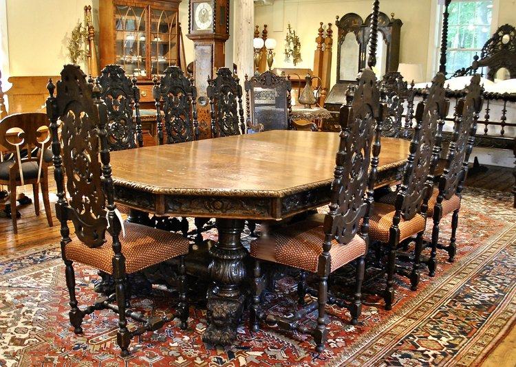 Important Dining Table In Oak Split Platform Pedestal Base With 4 Elaborately Carved Columns Lion Head Feet English 19th Century Leonards