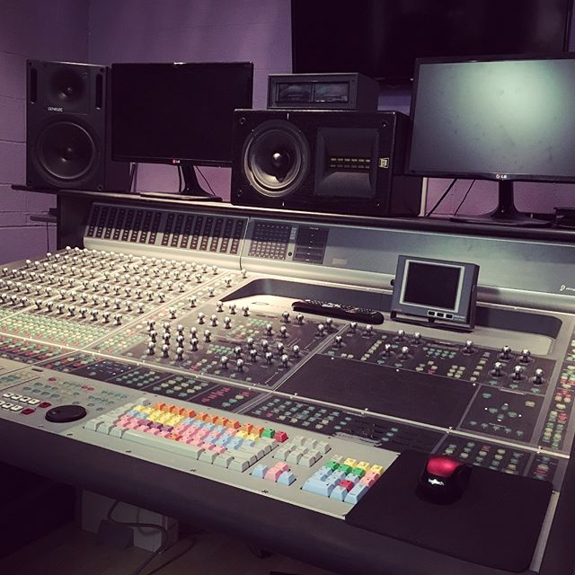Spent the day in Santa Monica with Chilitos (@chilis57) at Audiograph Intl, chasing timecode and drinking Dragon Lemonade. Thanks Chilitos! .......... #timecode #analogsync #dragondrink #audio #music #mixing #recordingstudio #efusionstudios #chiswickreach #summitaudioinc .......... @novelcafemainstreet @efusionstudios @apogeedigital @avalondesignusa @tcelectronic @avidtechnology @kelbymusic