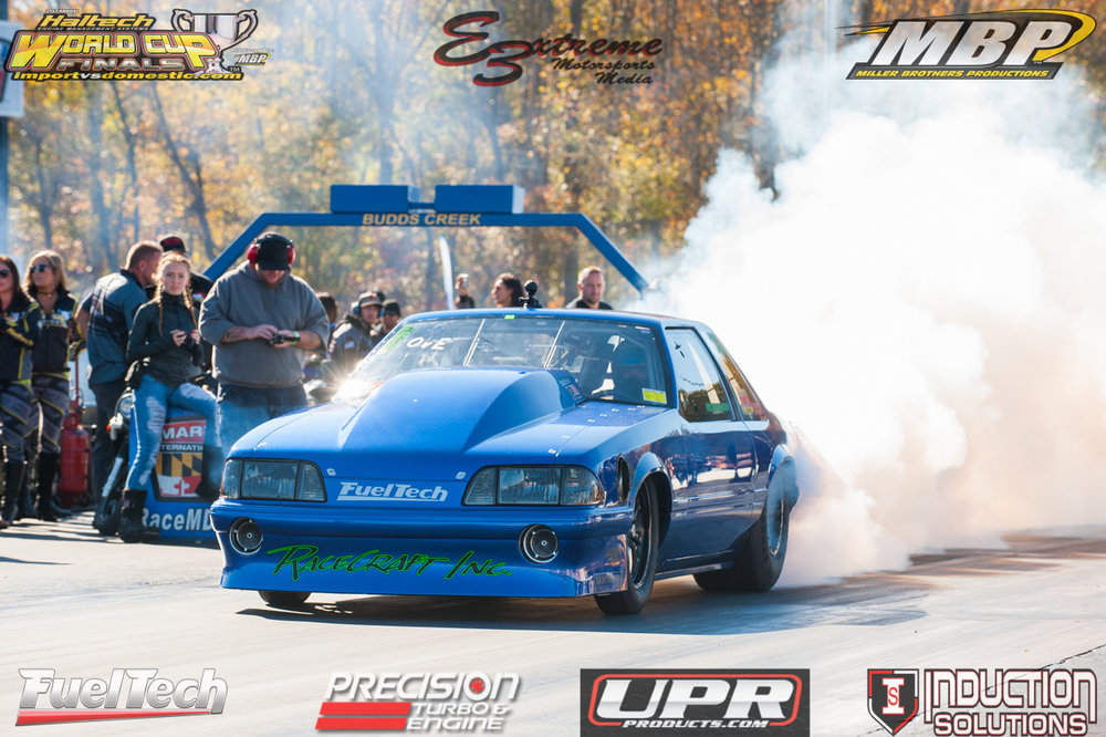 Kevin Fiscus with a huge burnout to get those mickey thompson radials warmed up.