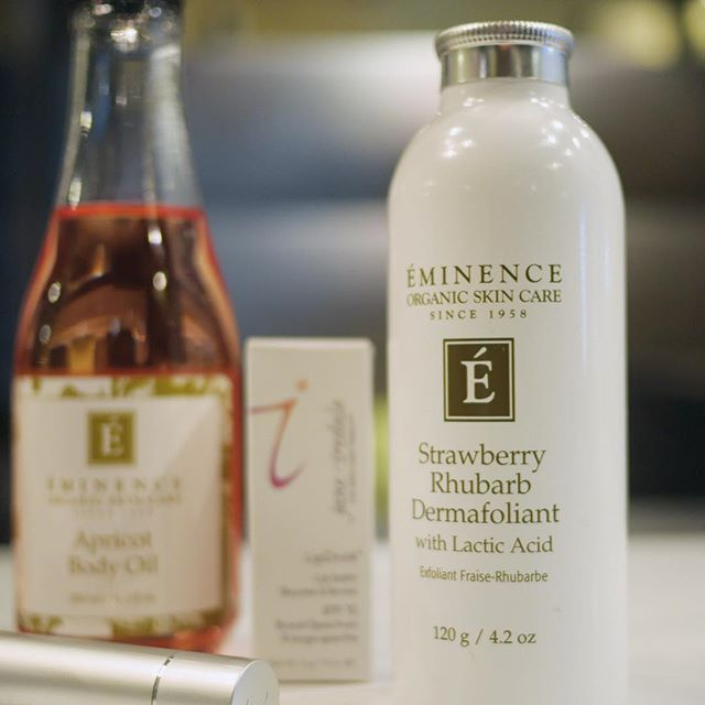 Say hello to smooth skin! Check out one of our #TopFive products to use this spring: @eminenceorganics Strawberry Rhubarb Dermafoliant. It's the perfect gentle scrub to get rid of dry, flaky skin. To learn more about this superb scrub and how to use it, visit us and we'll teach you! #newwest #spa #skincare #facials #springfavs #newwestspa #wellnessspa