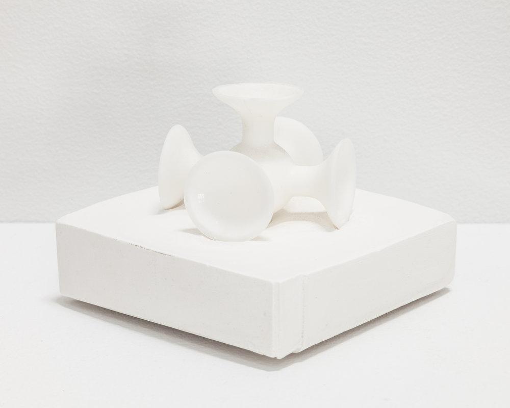 HDe_18_064_White Plastic Jack (%22Knucklesbones%22).jpg