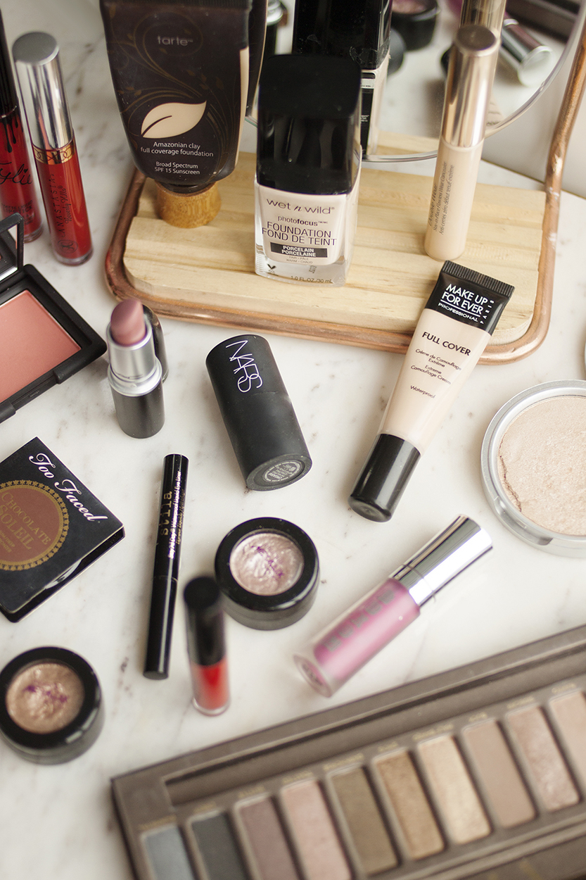Makeup Declutter  |  LITTLE HENRY LEE