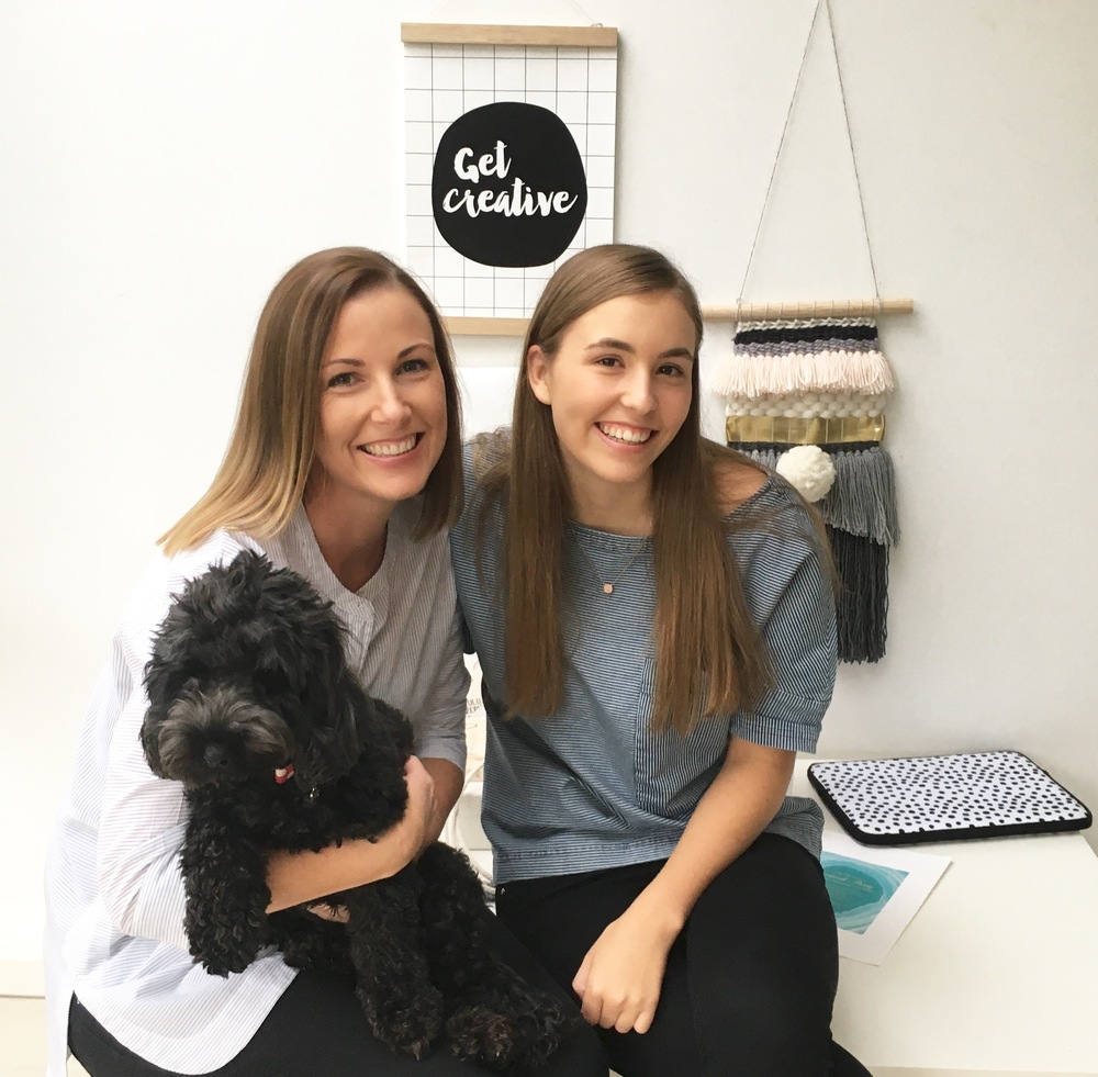 MAISIE AND HER MUM + POOCH