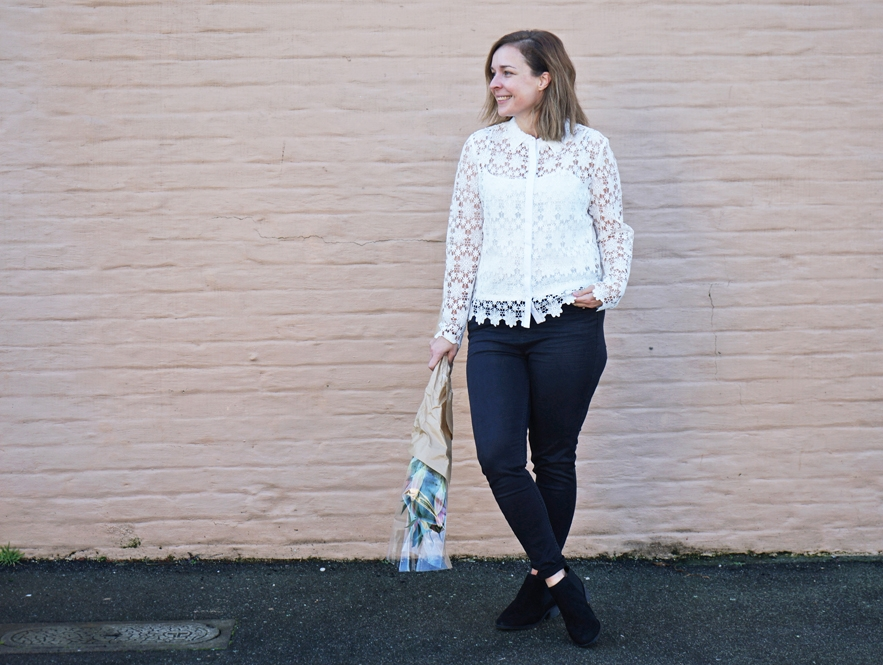 Mama wears  Marks & Spencer   Floral Lace Top ,  Mid Rise Super Skinny Jeans  +  Block Heel Ankle Boots