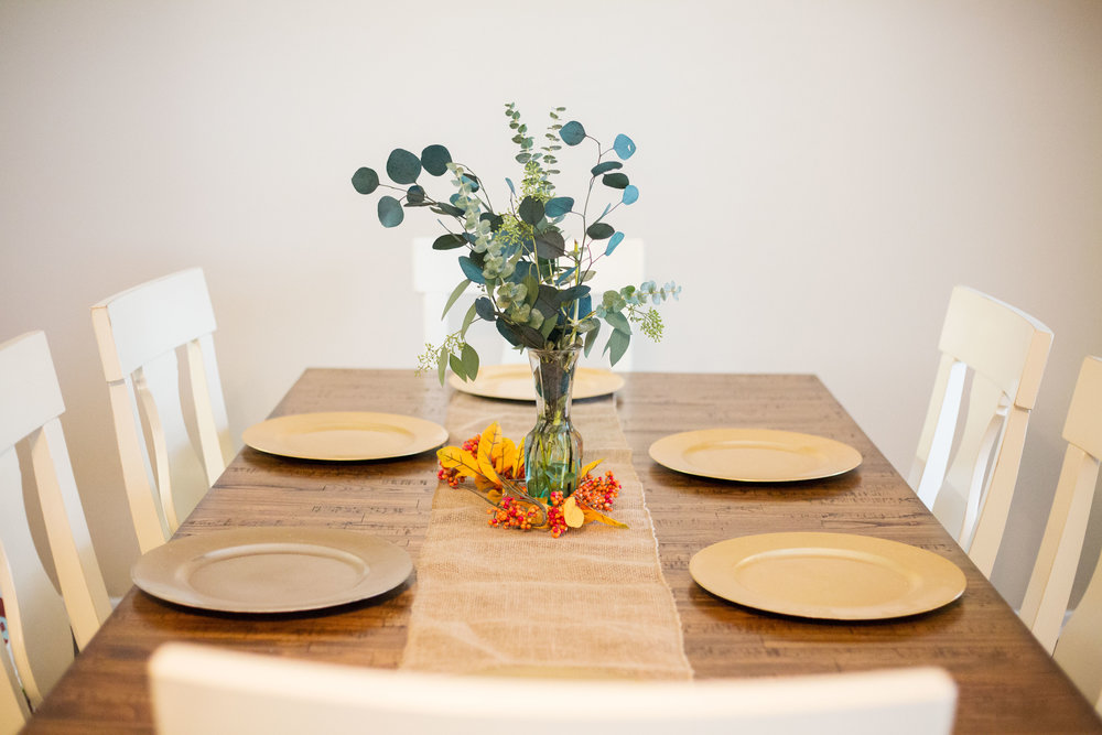 Thanksgivingtable2.jpg