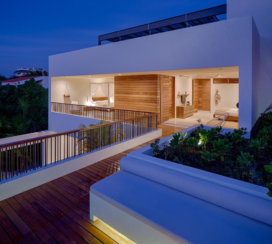 Balcony5.jpg