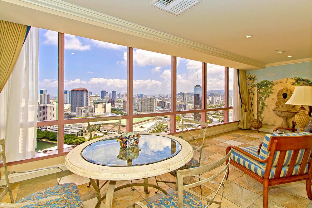 Landmark Waikiki Honolulu HI-large-016-Landmark3503-1500x1000-72dpi.jpg