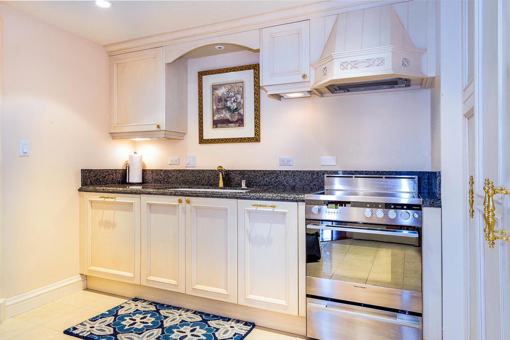 1888 Kalakaua Avenue Suite-large-011-6-Kitchen copy-1500x1000-72dpi.jpg