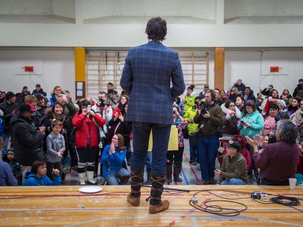 Justin Trudeau speaks to the crowd at a LPC-sponsored community feast. Photo by Anubha.