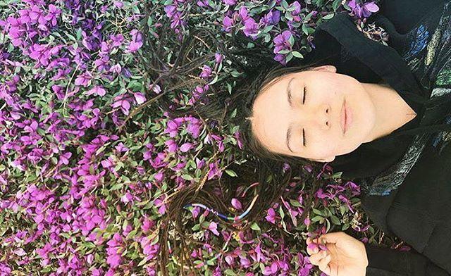 Flower power by @janakalu 🌸🌿